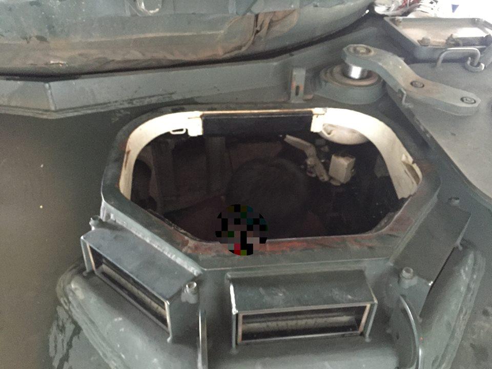 戦車の内部
