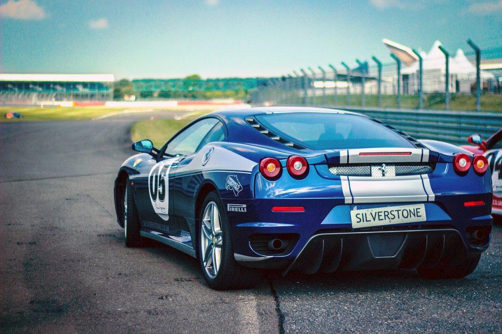 car-race-438467_1280